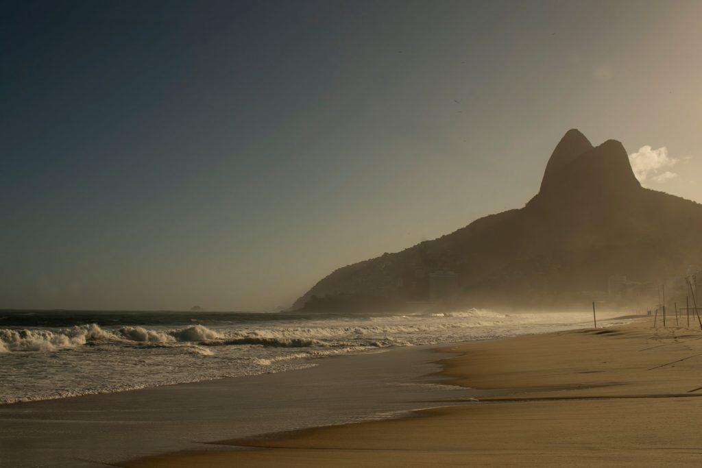 An April 4 view of Ipanema Beach in Rio de Janeiro, Brazil, during the COVID-19 pandemic.Photo: Bruna Prado/Getty Images